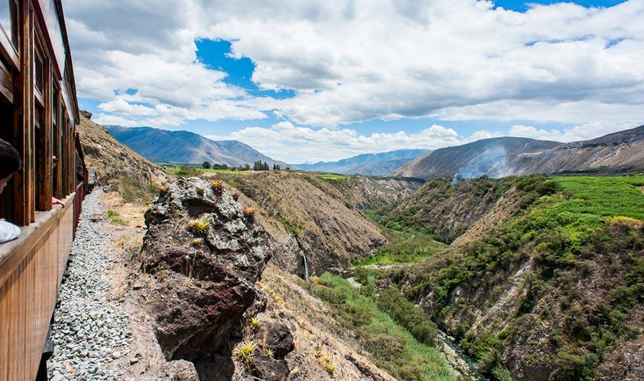 Bahnreisen Ecuador günstig buchen